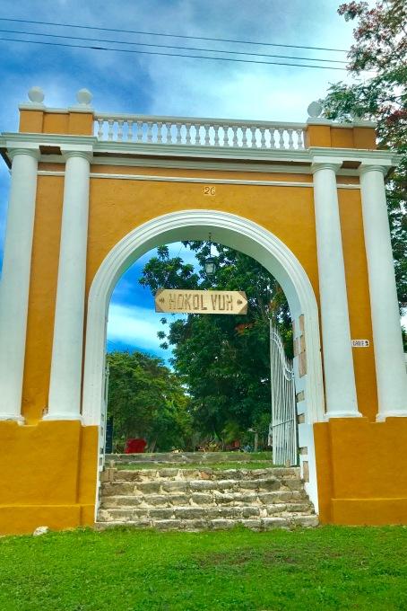 entrance to Hokol Vuh